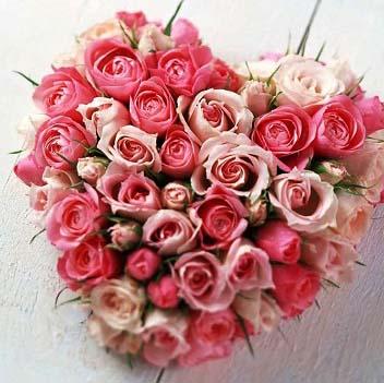 сервис по доставке подарков и цветочных букетов в праздник день святого Валентина